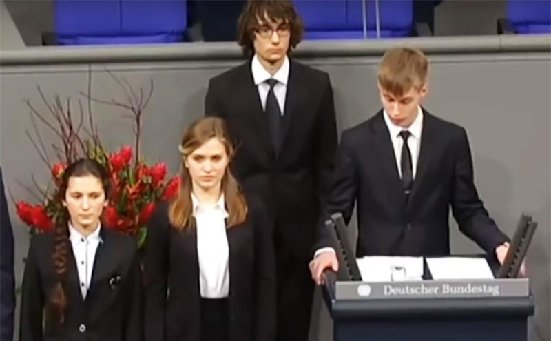 Кающемуся мальчику в Бундестаге дал слово Газпром