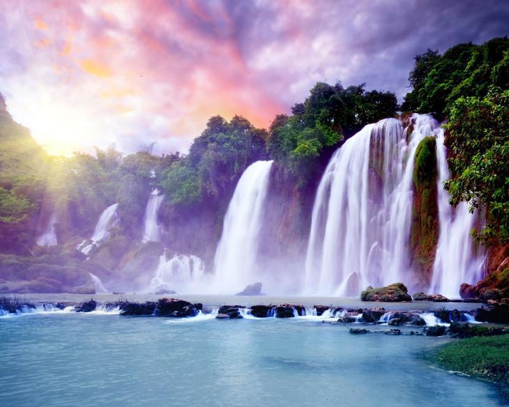 Водопад Detian Banyue Китай Вьетнам. Каякам здесь не место. Самые причудливые и величественные водопады планеты. Фото с сайта NewPix.ru