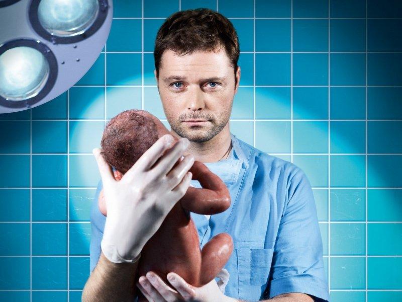 Женщины пищат от восторга: 5 самых любимых мужчин-врачей в кино