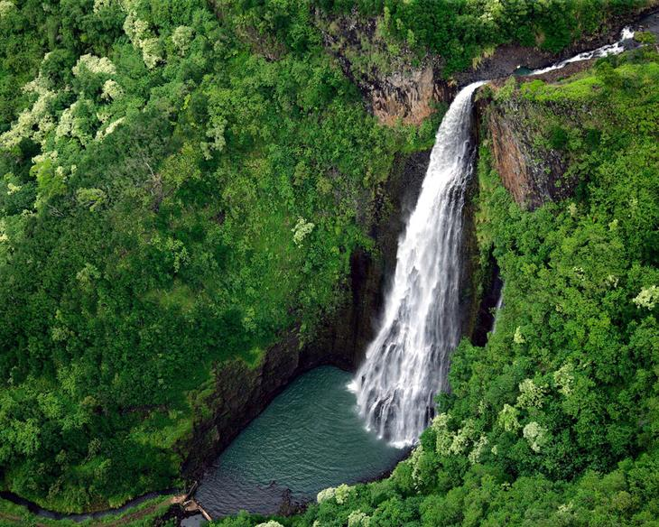 Водопад Manawaiopuna Гавайи. Каякам здесь не место. Самые причудливые и величественные водопады планеты. Фото с сайта NewPix.ru
