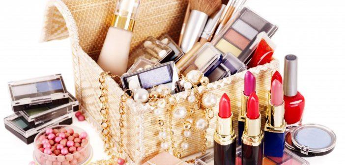 Благоприятные дни для покупки одежды, обуви, косметики и украшений в 2017 году.