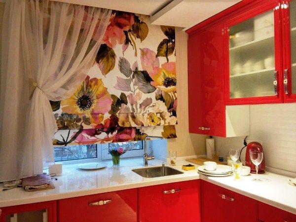 шторы на кухне фото в интерьере