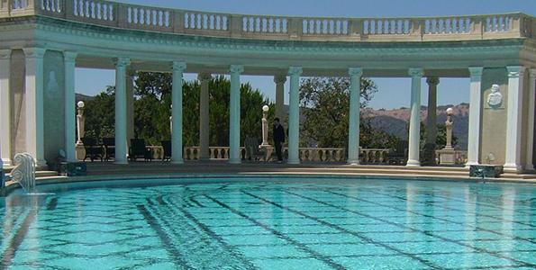 Мозаичные панно – гениальное решение для бассейна