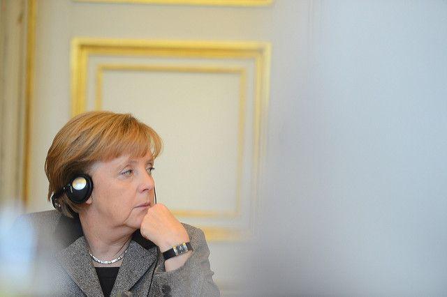 Депутат Европарламента от Франции обвинил Меркель в «распаде» ЕС