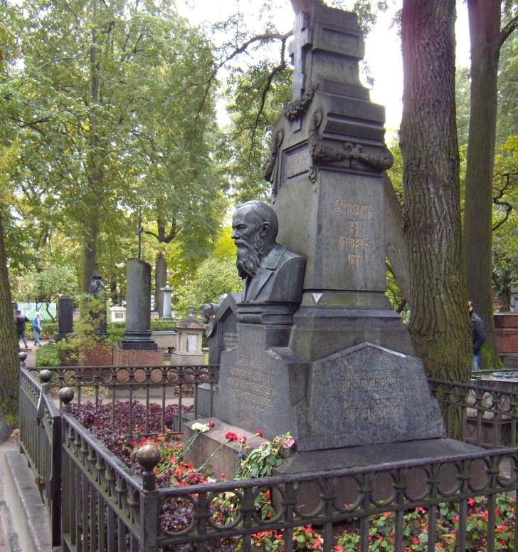 История Анны Достоевской, которая сделала своего мужа самым известным русским писателем