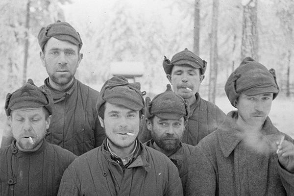 «Красноармейцы — голодные и нищие колхозники». Сталин обрек тысячи солдат на мучительную смерть и подарил Финляндию Гитлеру