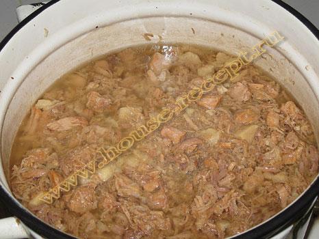 Тушенка из свинины в кастрюле рецепт