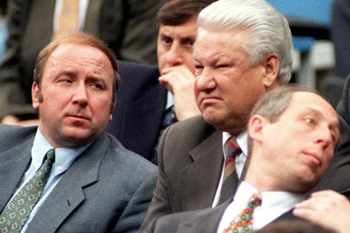 Бывший глава СБ Ельцина объяснил, почему РФ не вернула Крым в 1994 году