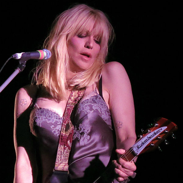COURTNEY LOVE WOULD RATHER APPEAR IN AN OPERA THAN REUNITE HOLE