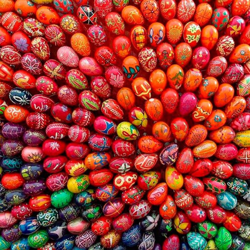 Окрашивание яиц на Пасху — это замечательная традиция, которая представляет собой очень увлекательный процесс...