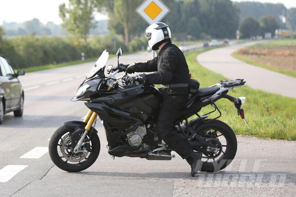 BMW S1000XR вновь пойман в кадр - Фото 2