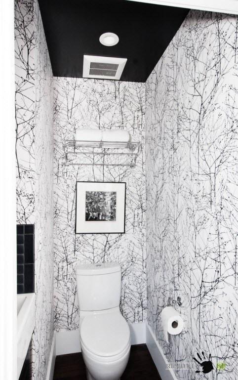 Дизайн санузла с бело-черными обоями