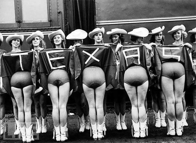Забавные старинные фотографии, которые в нужный момент поймали правильный ракурс