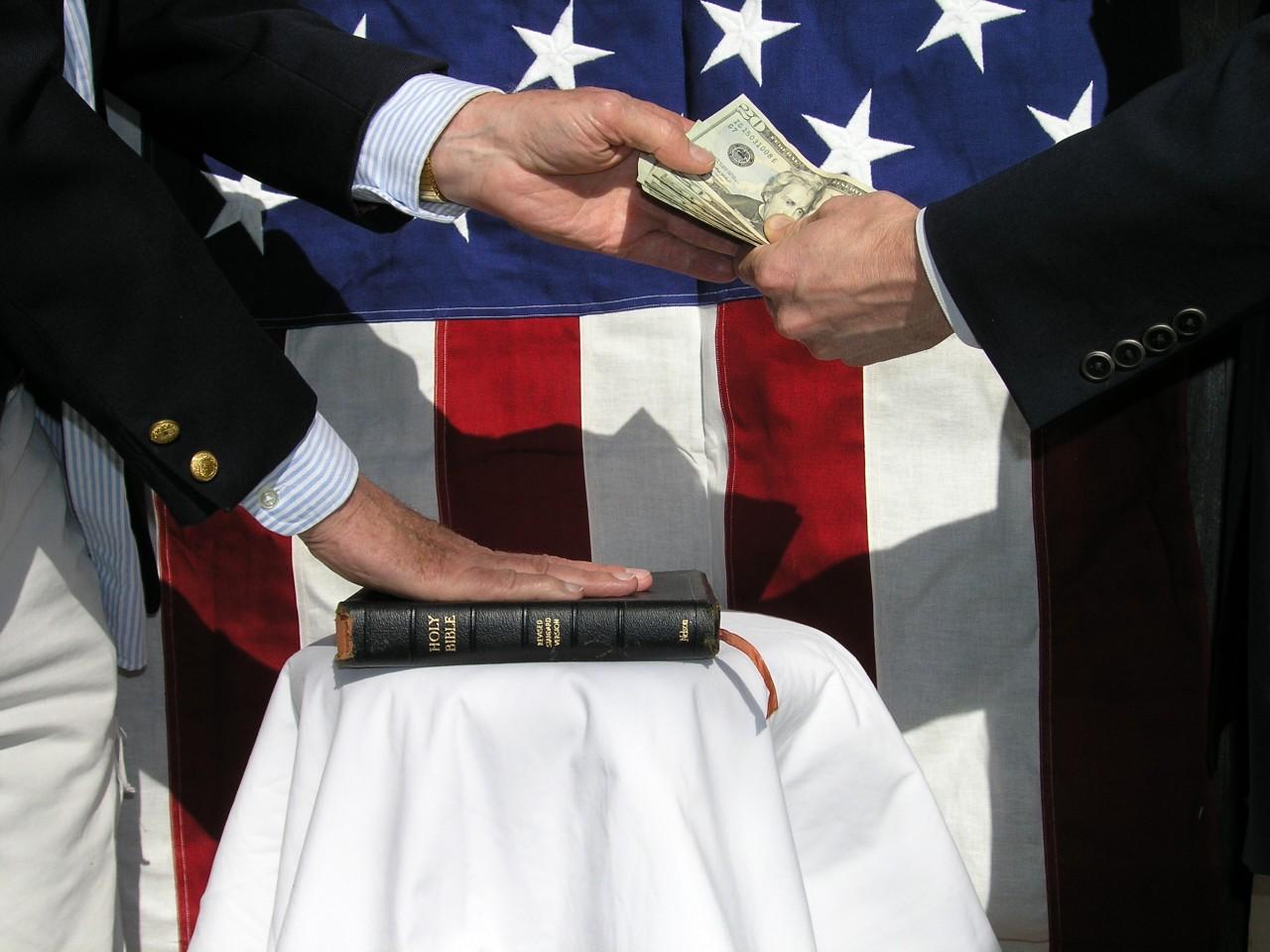 Это Россия должна учить США борьбе с коррупцией