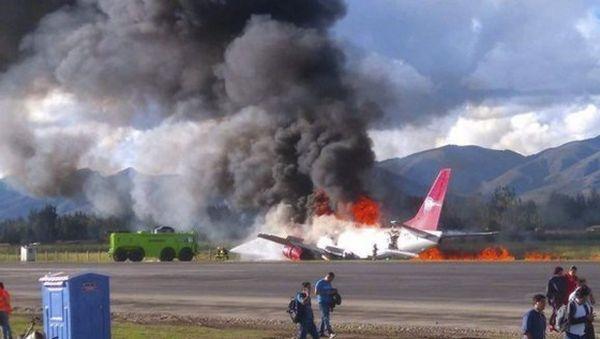 СМИ сообщили о26 пострадавших взагоревшемся вПеру самолете