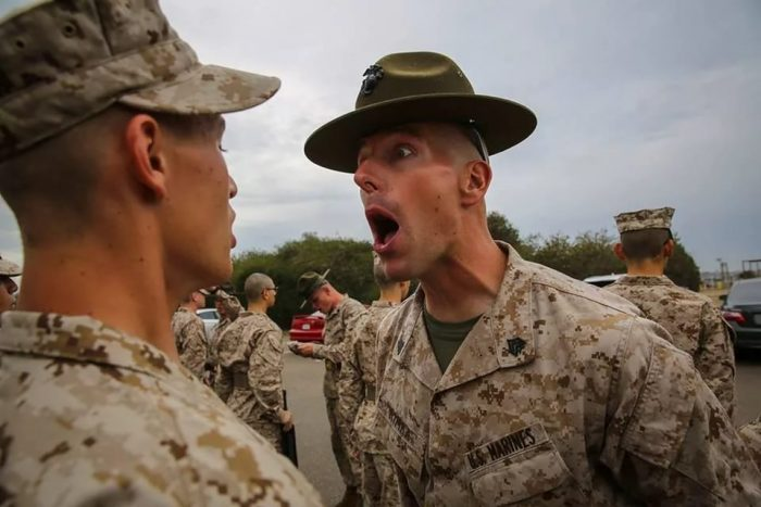 Бедные-бедные американские солдатики… За что с ними так?!