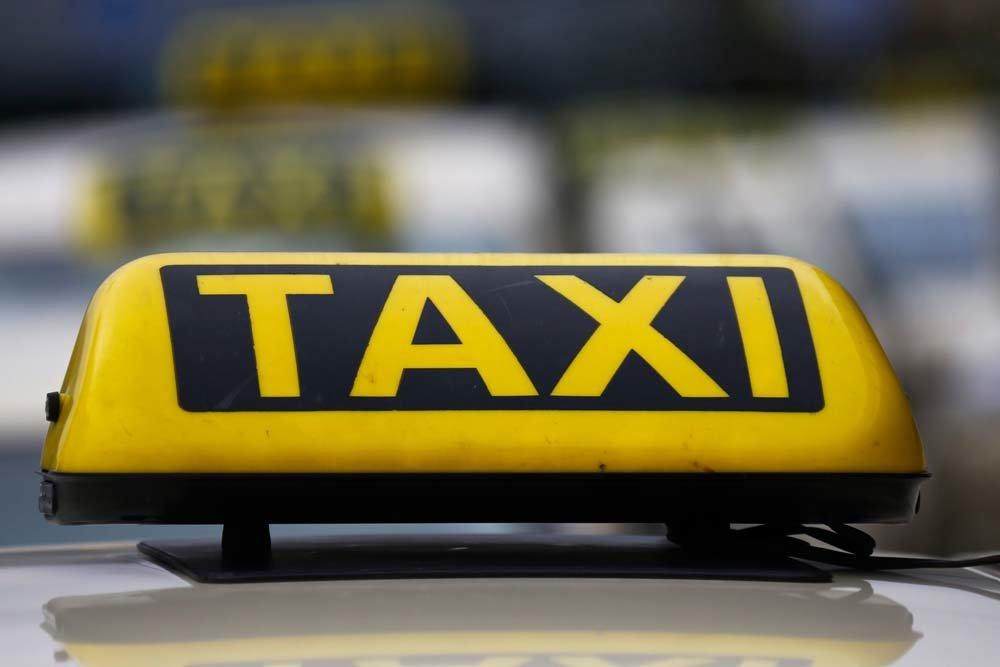 В Удмуртии чиновников пересадили со служебных автомобилей на такси