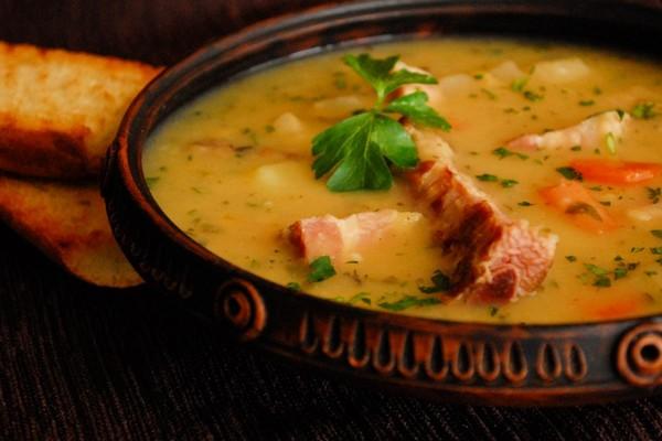 ДЕНЬ ПЕРВОГО БЛЮДА. Гороховый суп с рёбрышками