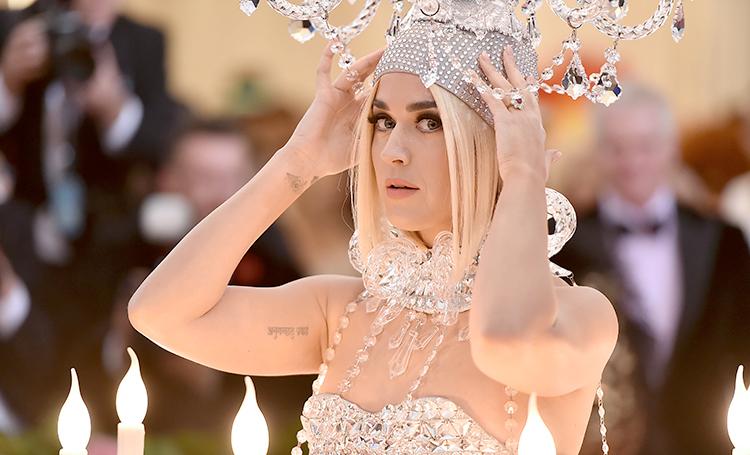 Привычка удивлять: Кэти Перри рассекретила наряд, в котором должна была появиться на Met Gala 2020 Мода,Стиль звезд