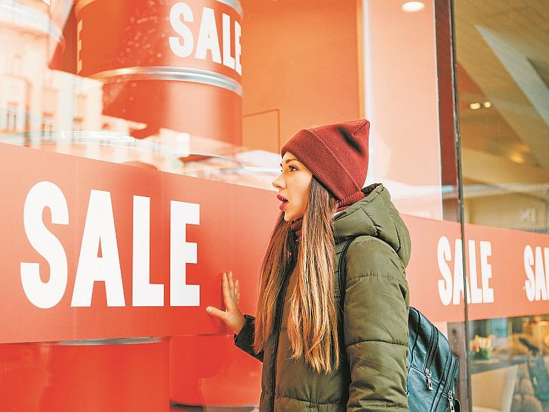 Новогодние скидки и акции в магазинах: реальная экономия или обман?