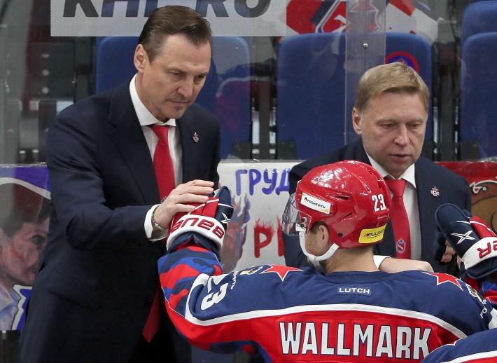 «Он супер-легенда!»: хоккеист из Швеции восхитился российским тренером Федоровым Спорт
