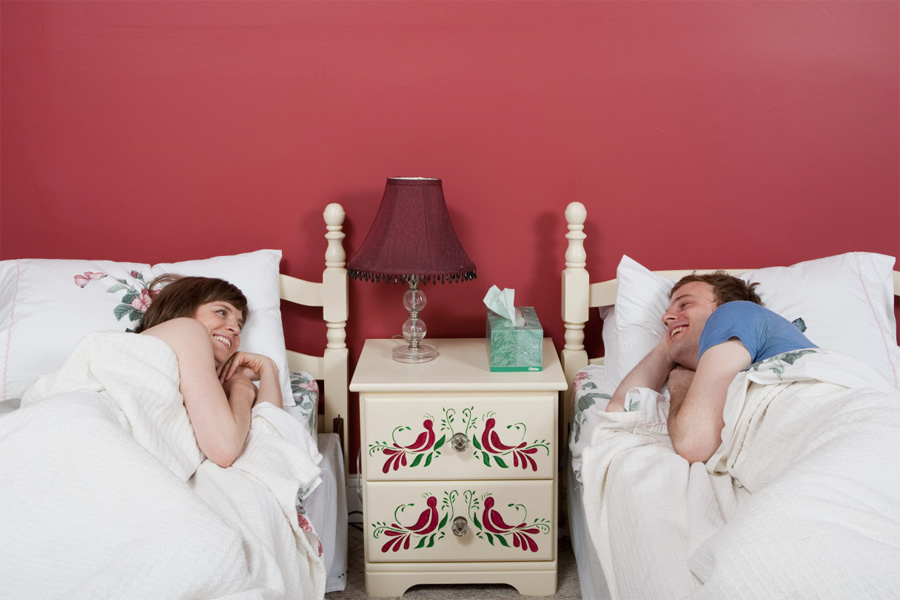 Лучшее муж с женой дома на кровати настя лижет оренбурга