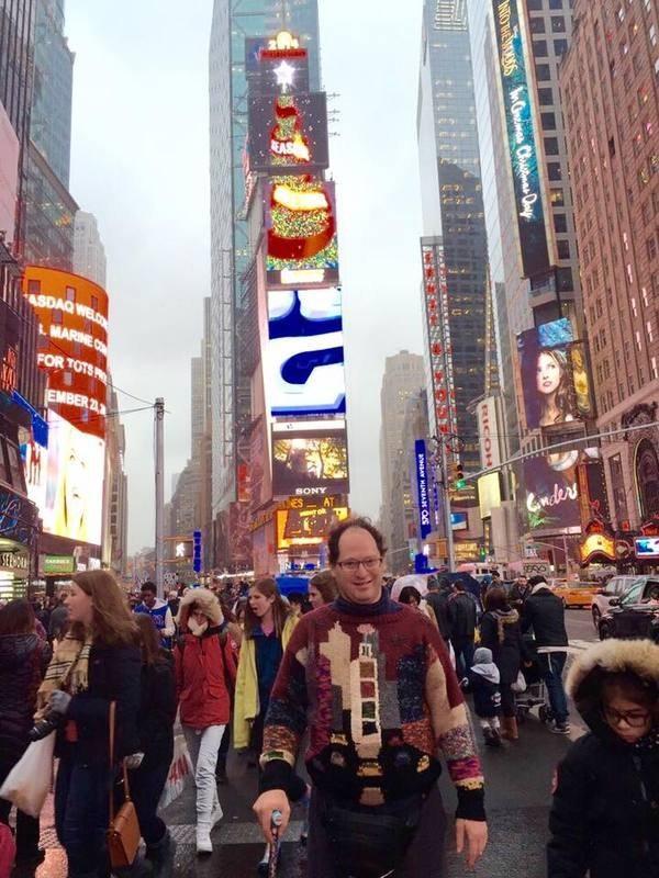 2. Свитер с Нью-Йорком интересное, пряжа, свитера, фото