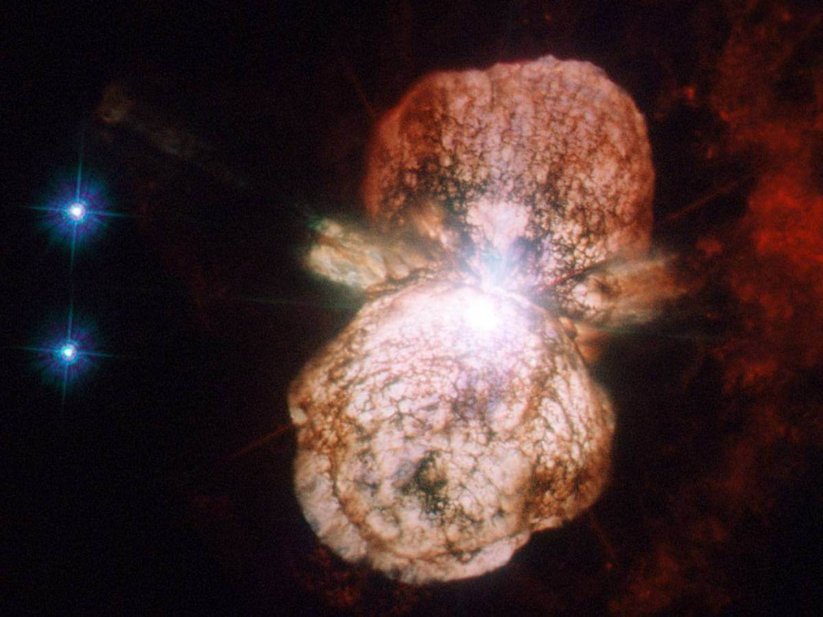 Столкновение двух звезд, которое скрасит наше небо в 2022 году