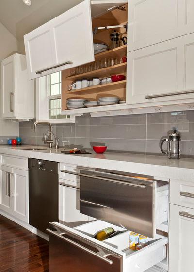 Современная классика Кухня by REIER Construction