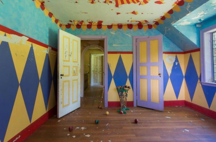 Люди обнаружили дом, в котором жила семья циркачей - и его дизайн удивляет