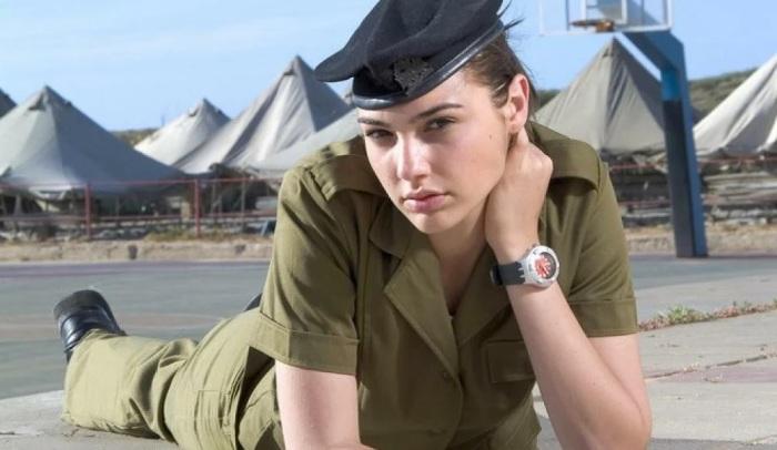 Знаменитые актрисы, которые служили в армии