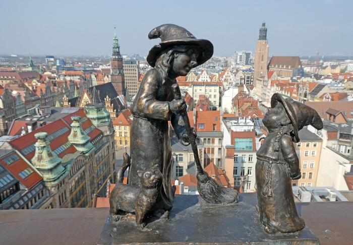 Почему на улицах Вроцлава так много фигурок гномов