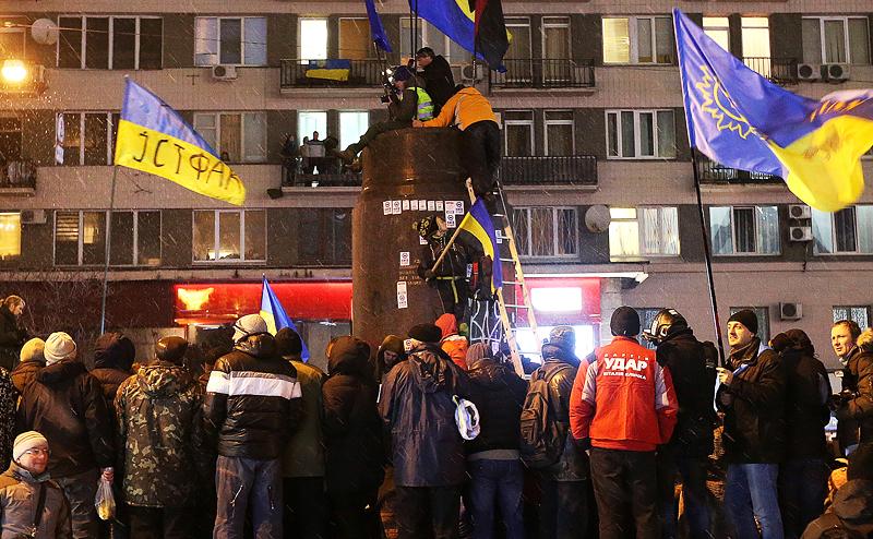 Порошенко: На Украине без мо…