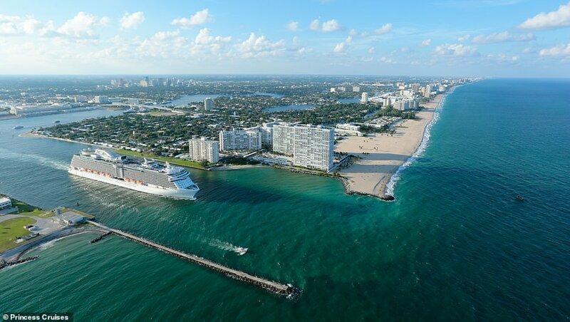 9. Royal Princess у морского порта Эверглейдс во Флориде, США. Судно имеет 17 палуб и может вместить 4272 пассажиров красиво, красивые места, круиз, круизы, мир, паром, путешествия, фото