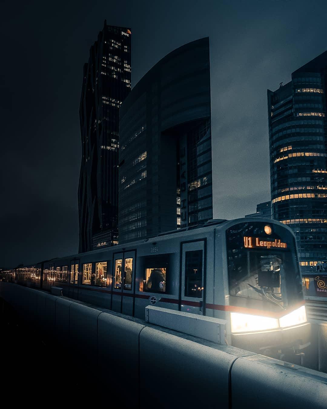 Города нашей планеты на атмосферных уличных снимках Кевина Хуфнагла города,тревел-фото,улицы