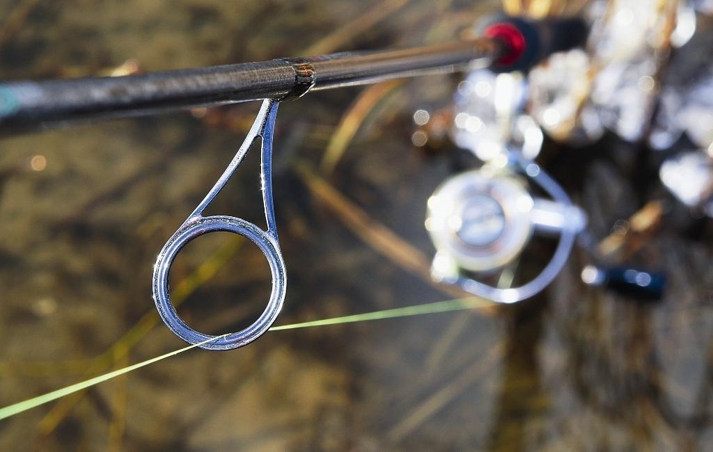 Заброс выйдет более далёким, если диаметр входного кольца окажется сопоставим с диаметром шпули.
