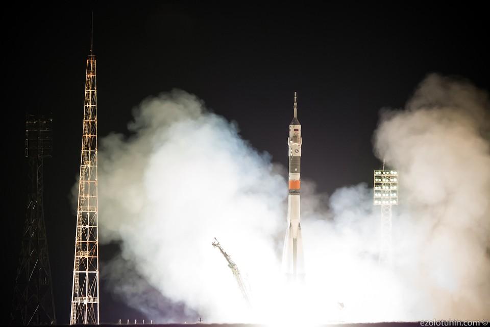 Ракета с космонавтами старто…