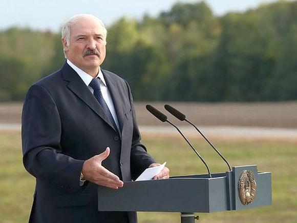 Лукашенко: Пневмония уйдет, а хлебушек-то нужен
