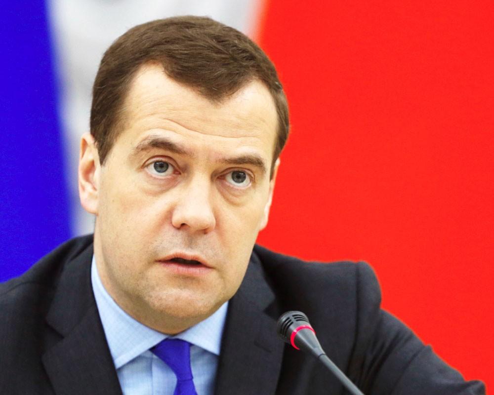 Медведев подвел итоги выборов и посоветовал единороссам «упростить лексикон»