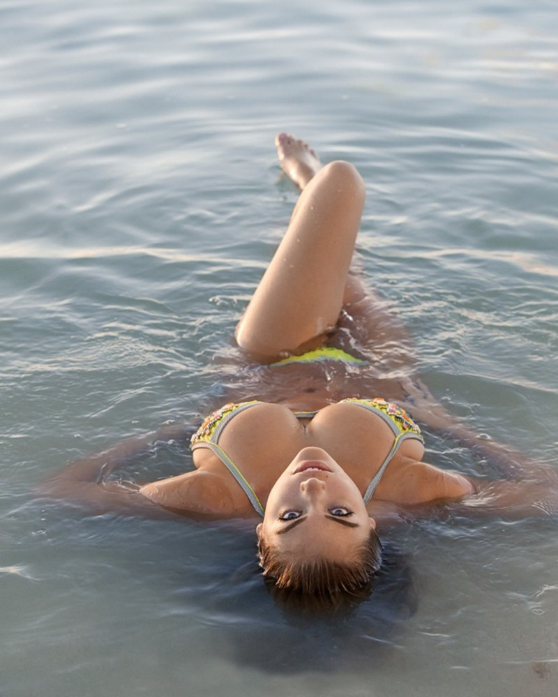 Wet water beach nude young girls — img 9