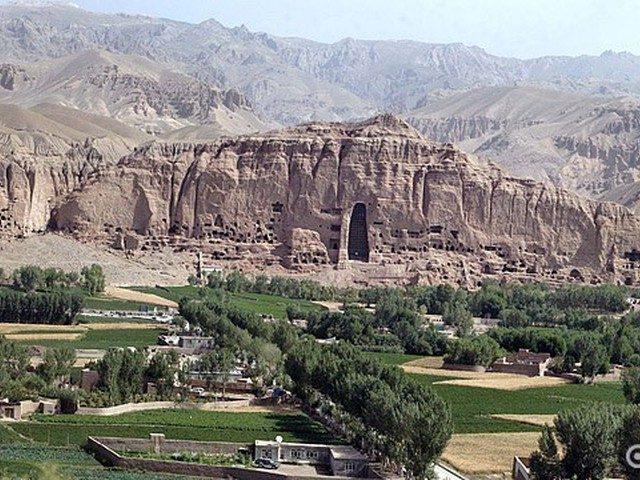 Бамиан: знакомство с афганской культурой Бамиан, туристов, город, Афганистана, Будды, статуи, будет, самой, Бамиана, концами, концы, сводят, едваедва, говорить, Лишним, картофель, пшеницу, выращивают, Бамиане, маком