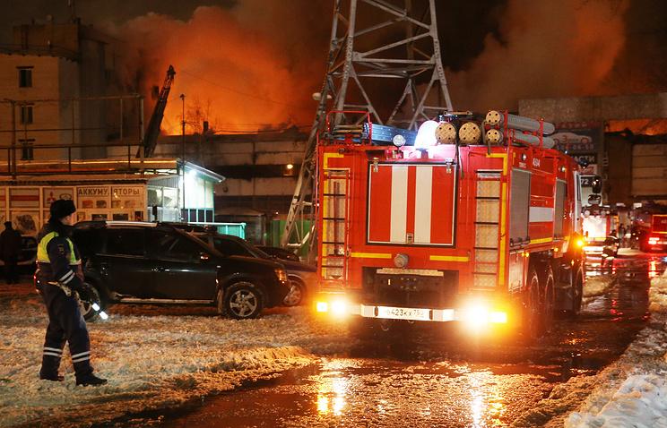 Пожар на складе в Москве охв…
