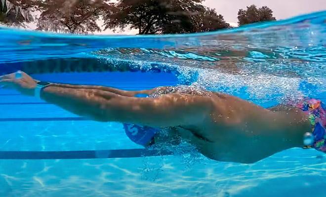 Мужчина стал проплывать каждый день 3 километра, а через месяц показал произошедшие с ним изменения Культура