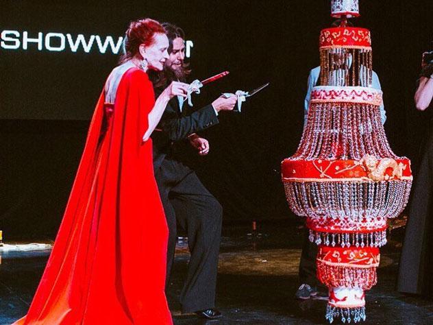 Ростовчане попробовали на вкус шляпу Джонни Деппа, люстру и неваляшку на конкурсе кондитеров