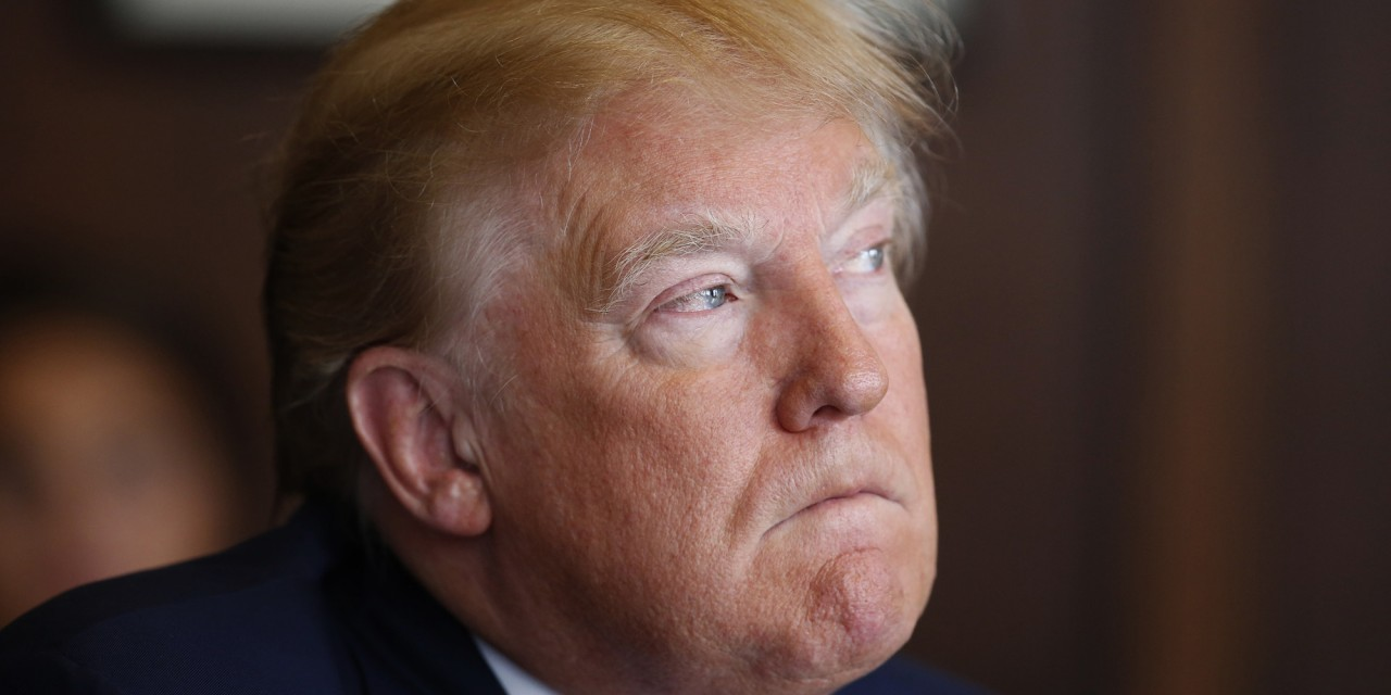 За две недели президентства Трамп был упомянут в 52 судебных исках