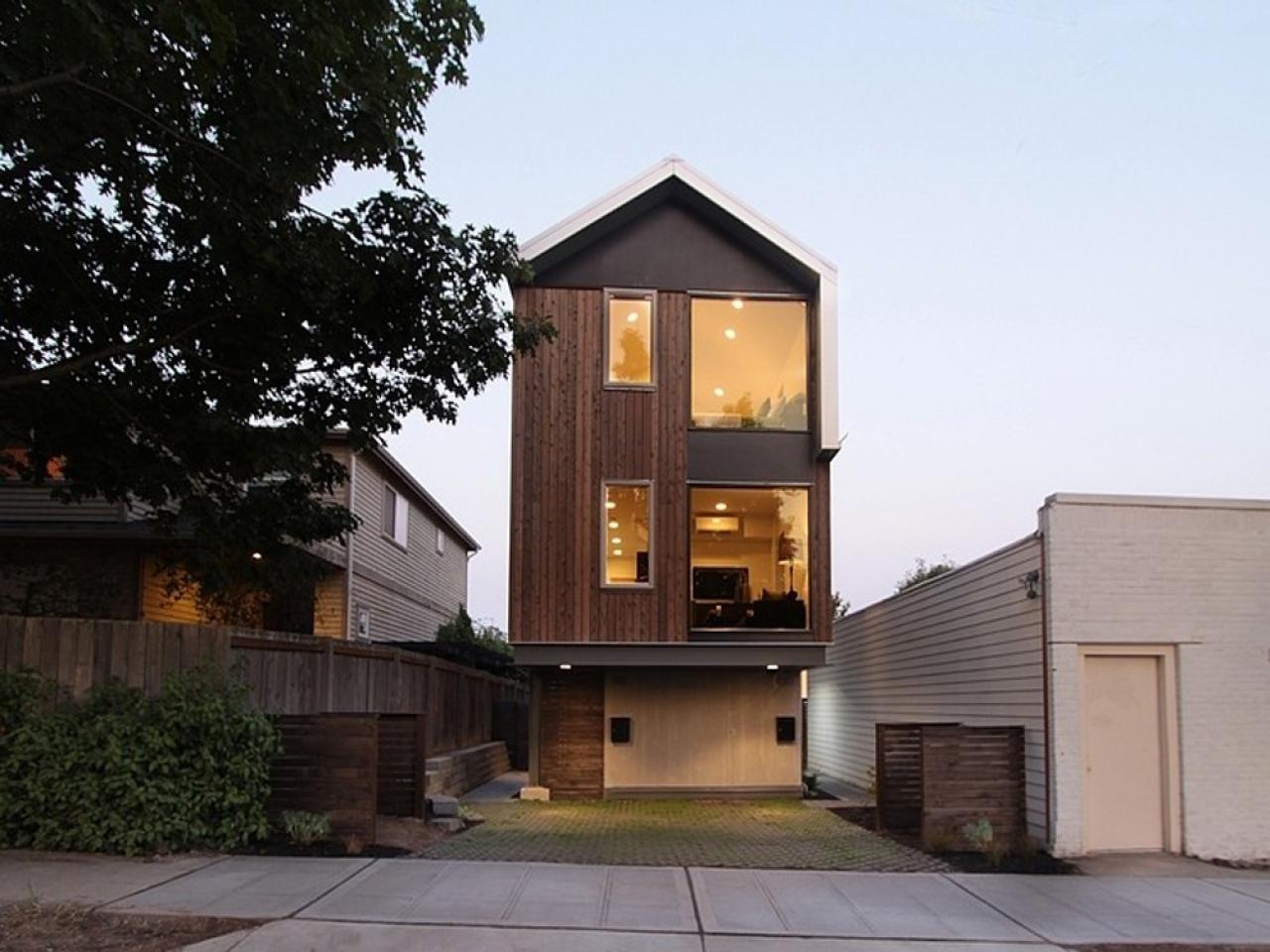 расскажу красивые дома на очень узких участках фото одноэтажных