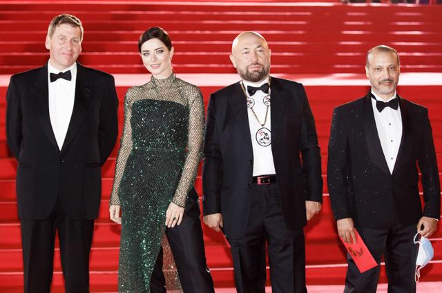 Юлия Снигирь, Евгений Цыганов, Елизавета Боярская и другие на церемонии открытия ММКФ-2020 Светская жизнь