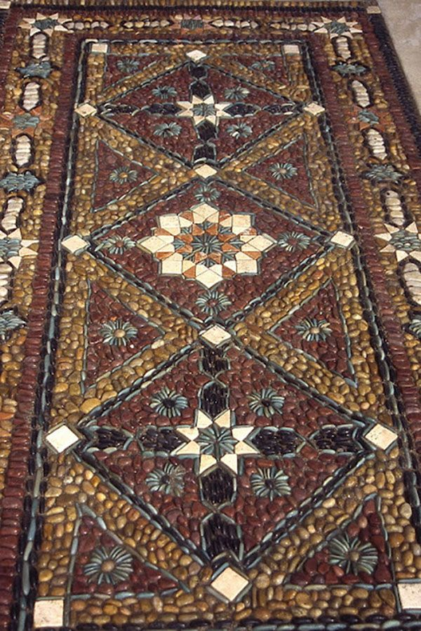 29 удивительных примеров мозаики из гальки