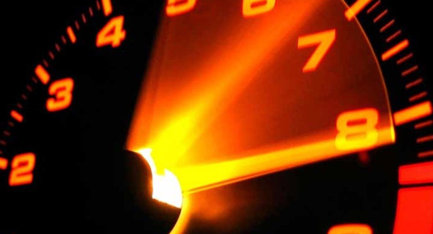 Водителям в РФ объяснили, почему мотор нуждается в работе на высоких оборотах Автомобили