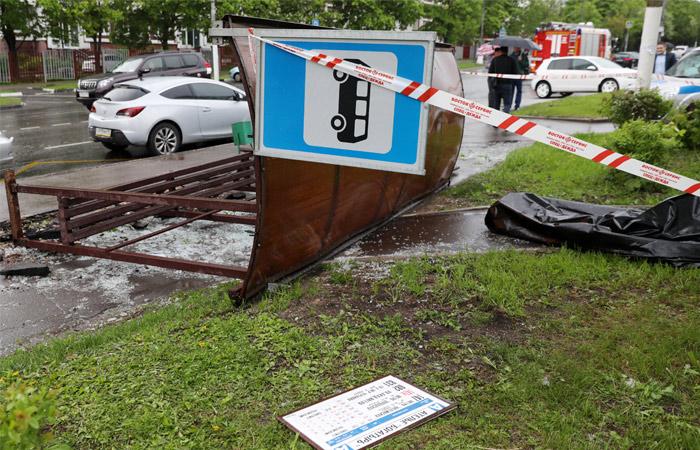 Число жертв урагана в Москве возросло до 11, ....народ обеспокоен службами ЖКХ и градоначальников